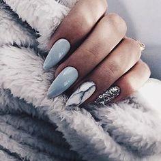 unique wedding nails